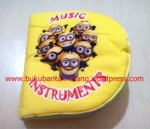 Buku Bantal – Minion Learning Music Instrumens